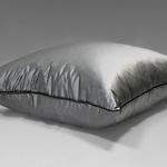 Шелковая подушка Жемчужное сияние из натурального шелкового муслина. Подушки Natures (Натурес).