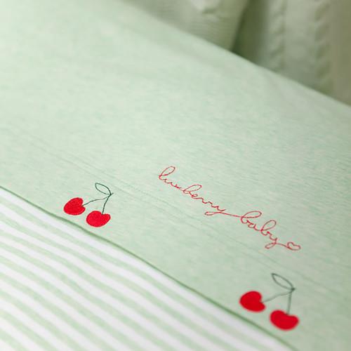 Вишенки Детское постельное белье 100% хлопок -трикатаж. Детское постельное белье Luxberry (Люксберhи)