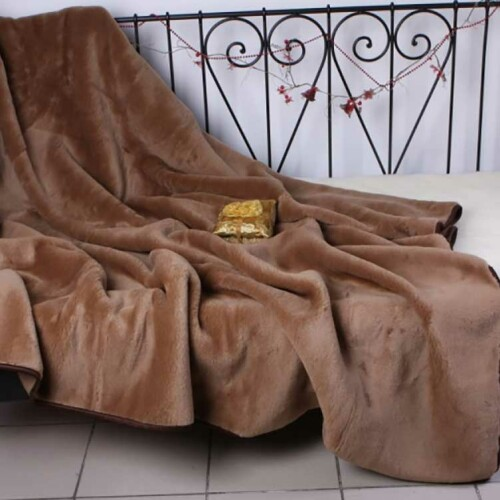 Одеяло Верблюд Щоколад. Легкое шерстяное тканое одеяло. 30% верблюжий пух, 70% открытая шерсть мериноса. ТМ Magicwool (Монарх), Россия