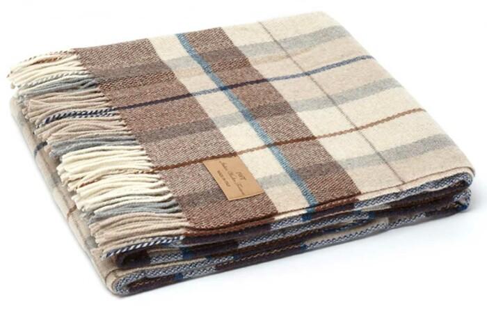 Мягкий шерстяной плед с кистями «LUCCA 1».  Состав 100% пух ягненка мериноса. Производство ТМ «Italian Woolen Treasures». Италия