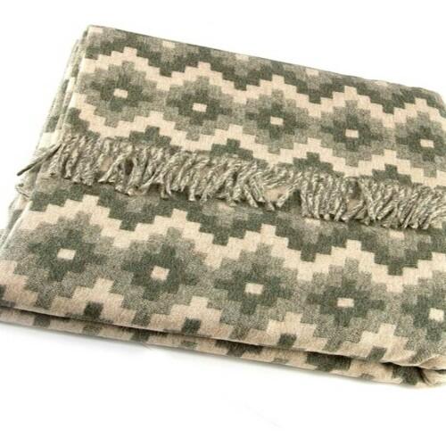 Шерстяной плед с кистями Incalpaca PP-60. Плед 55% шерсть альпака, 45% шерсть мериноса. Производитель ТМ Incalpaca (Инальпака), Перу