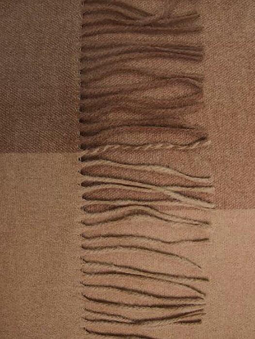 Мягкий шерстяной плед с кистями «GobiT- 811». Плед 50% Монгольский верблюжий пух, 50% овечий пух. Бренд «Gobit». Страна производства Монголия