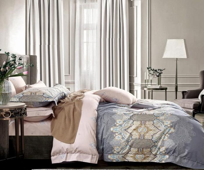 Постельное белье Королевский сатин Фамилье «Royal Satin RS-288» сатин.Комплект 2-спальный: пододеяльник 180х215см (1) на пуговицах, простынь 200х220см (1), наволочки 50х70см (2 шт.), 70х70см (2 шт). Ткань: сатин. Состав: 100% хлопок