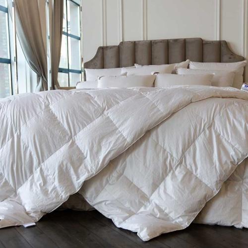 SKY DOWN GRASS всесезонное кассетное пуховое одеяло. 100 белый гусиный пух. ТМ German Grass (Герман Грасс), Австрия