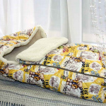 Детский шерстяной конверт в коляску «Мишки желтыеМеринос Локон». Состав 100% шерсть мериноса. ТМ «MagiсWool», Россия