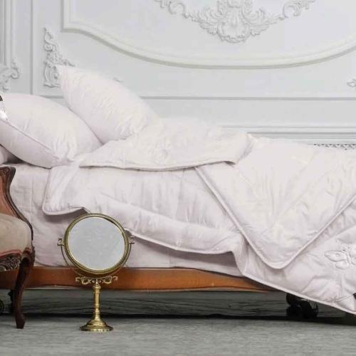 «Trois Couronnes Royal Ahimsa Silk» Легкое шелковое стеганое одеяло. 100 % натуральный шелк. ТМ «Trois Couronnes», Швейцария