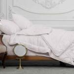 «Trois Couronnes Yin-Yang» Всесезонное шелковое стеганое одеяло. 100 % натуральный шелк. ТМ «Trois Couronnes», Швейцария