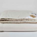 «ODEJA NATUR Bioactive». Всесезонное стеганое одеяло. Наполнитель 50% волокна конопли (Hemp), 50% кукурузы (Сorn). Производство ТМ «Odeja», Словения